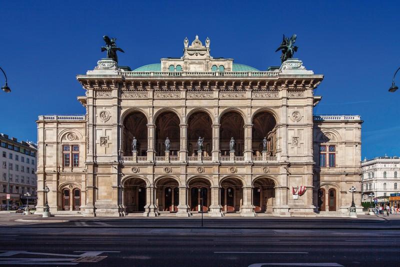 BRATISLAVA I VIENA, Del 15 Al 20 De Març