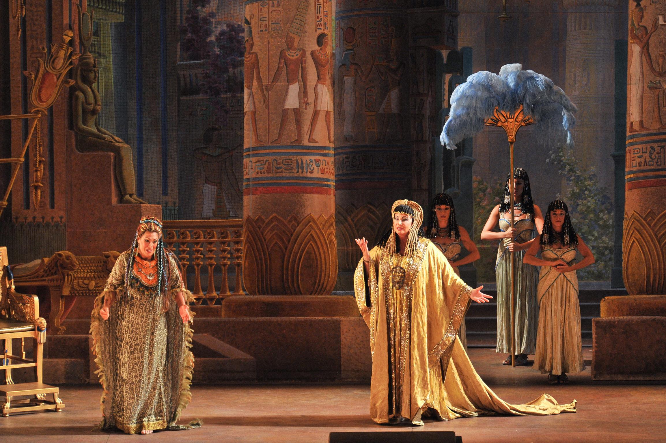 """Conferència A L'entorn D'""""Aida"""""""
